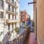 Balcón y calle