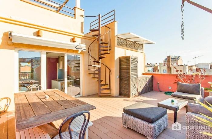 Stor dobbeltsidig terrasse