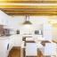 Área de cozinha e sala de jantar