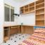 Soveværelse med masser af opbevaringsplads