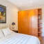 Dormitor cu dulap mare
