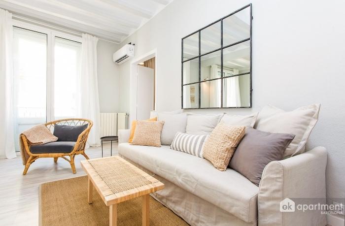 Canapea în cameră de zi